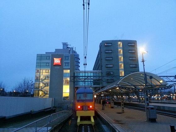 التنقل في امستردام عن طريق المترو