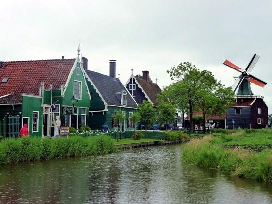 قرية الطواحين في امستردام