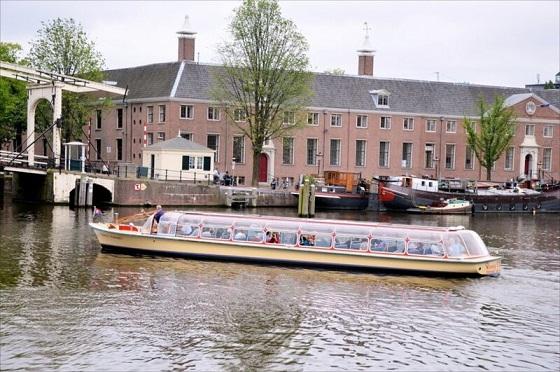 لماذا السياحة في امستردام