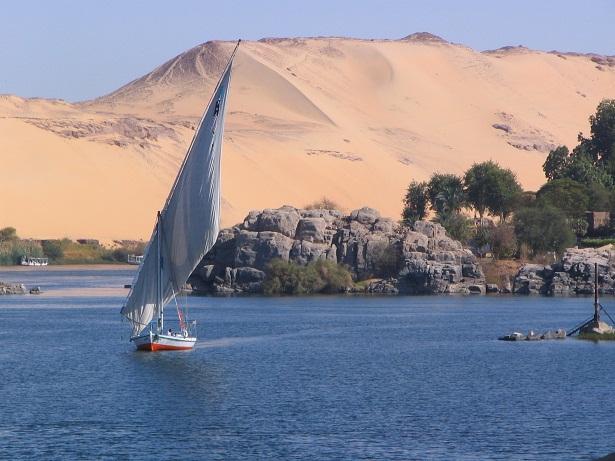 نهر النيل أسوان مصر