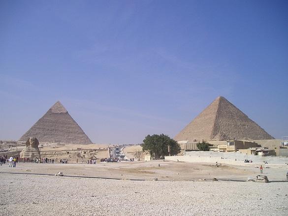 أهرامات الجيزة مصر
