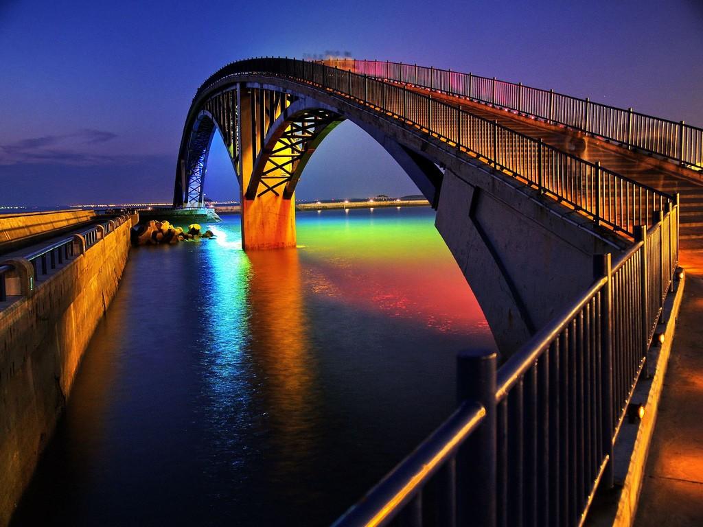 الجسر المائي الملون في تايوان