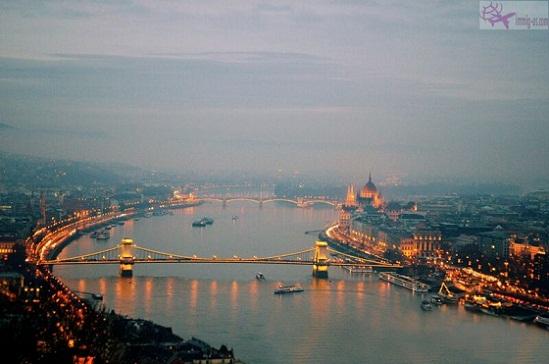 شراء جنسية المجر