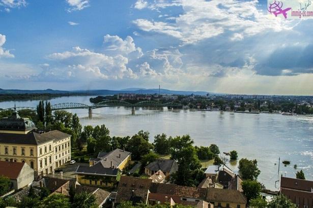 هنغاريا تغلق حدودها مع صربيا بسبب المهاجرين