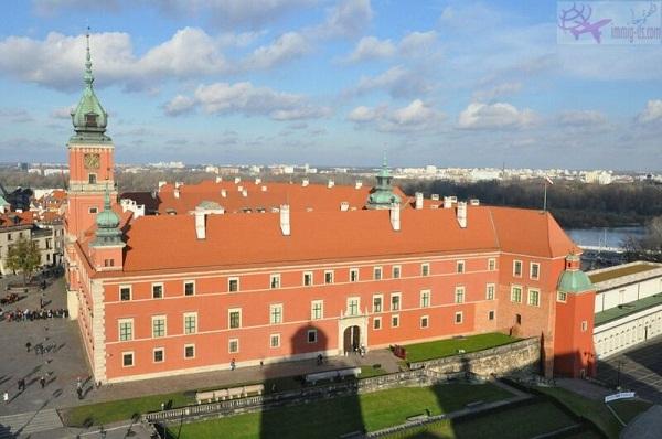 القلعة الملكية بولندا
