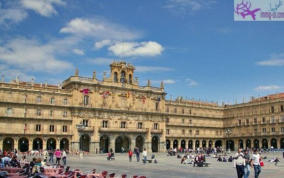 الساحة الكبرى - معالم السياحة في مدريد