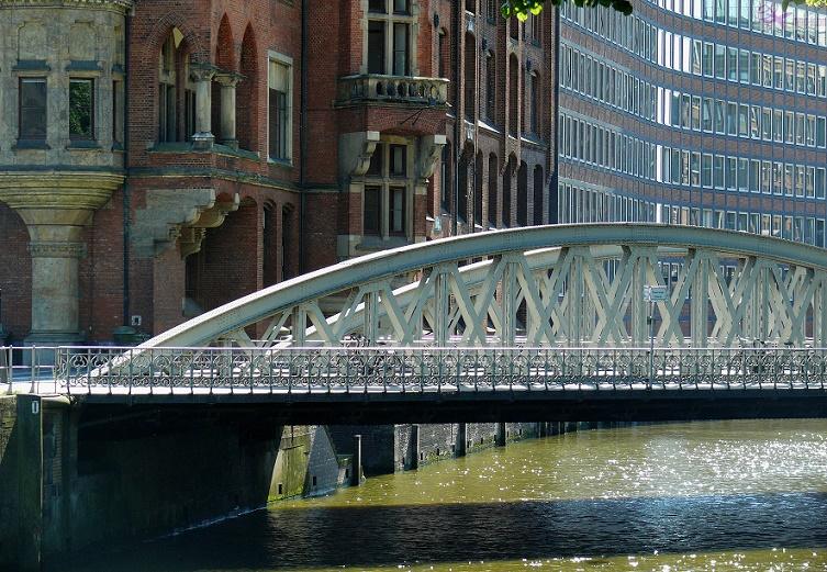 جسر مدينة التخزين
