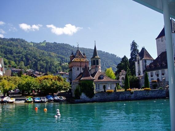 صور بحيرة ثون السويسرية