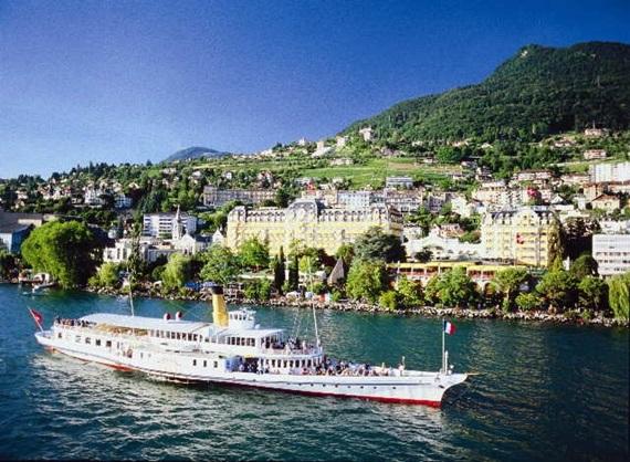معالم مدينة مونترو في سويسرا