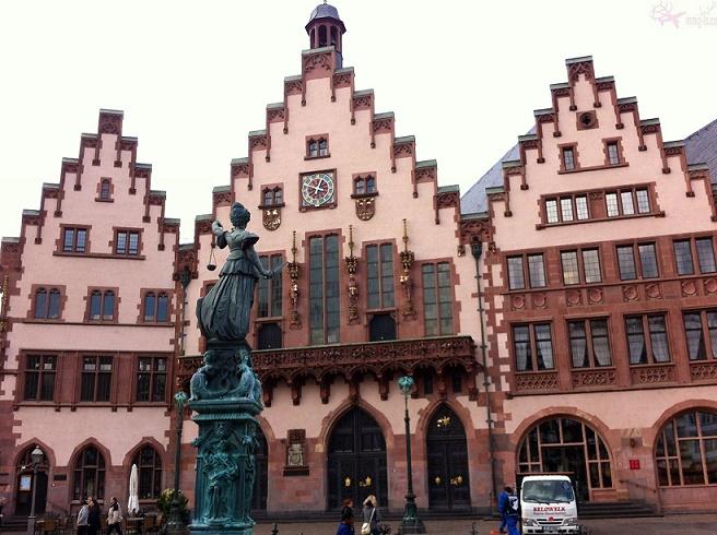 مبنى البلدية أو مبنى رومر