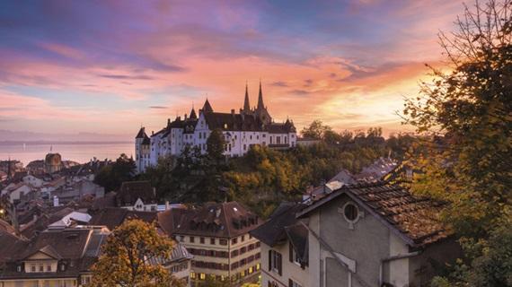 صورة أبرز المعالم السياحية فى مدينة نيوشاتيل سويسرا