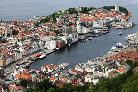 رفض اللجوء في النرويج لمن يأتي من بلد آمنة