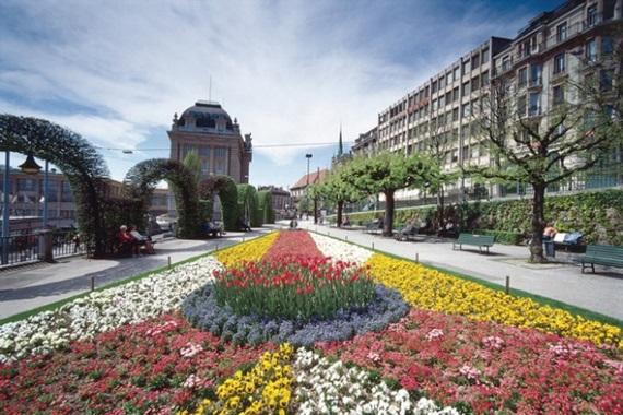 شوارع لوزان السويسرية
