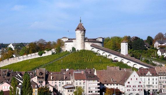 مدينة شافهاوزن السويسرية