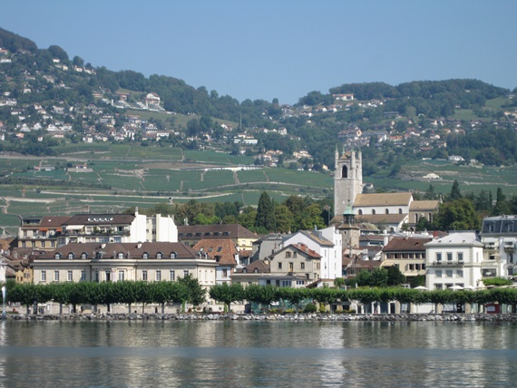 صورة أهم المعالم السياحية فى مدينة فيفى السويسرية