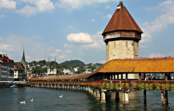 جسر تشابل فى لوزيرن السويسرية