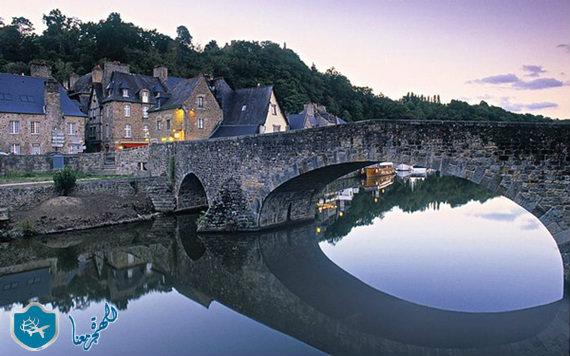 قرية دينان في فرنسا