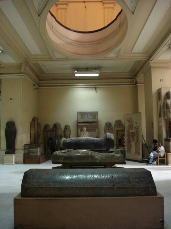 أحد القاعات الأثرية داخل المتحف المصري