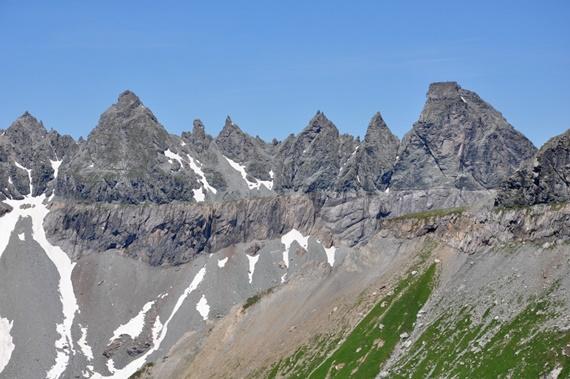 الحيز الجيولوجي التكتوني في ساردونا السويسرية