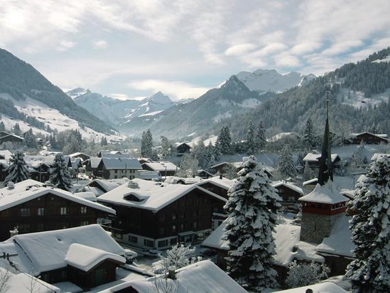 الجليد فى قرية غشتاد السويسرية شتاءا
