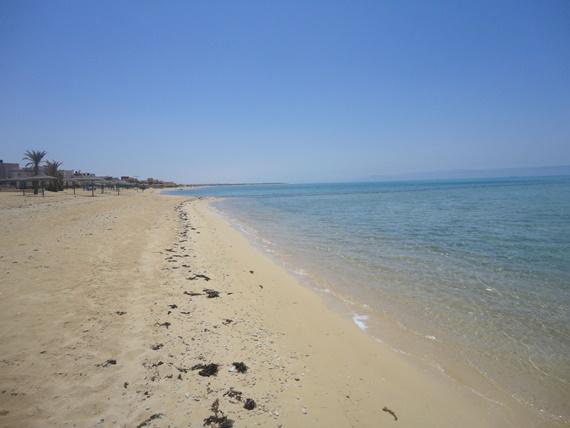 الرمال الذهبية بشواطئ رأس سدر