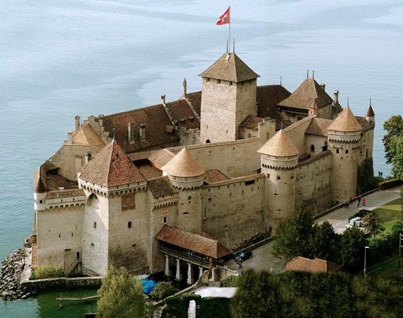 قلعة شيلون أهم المعالم السياحية فى سويسرا