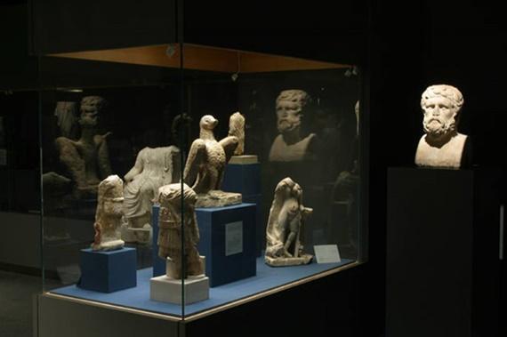 متحف الآثار بمكتبة الأسكندرية