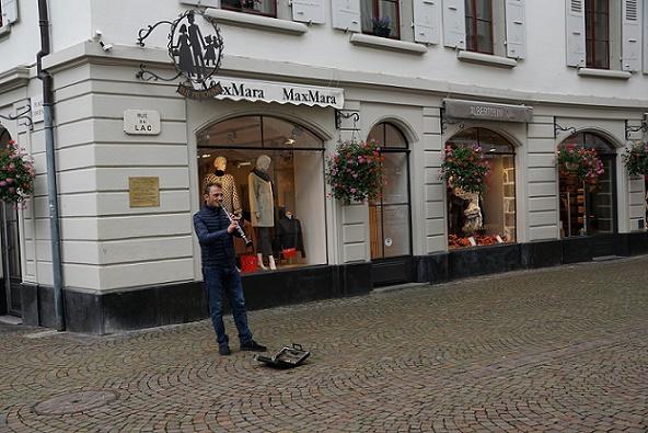 الموسيقى في شوارع فيفي السويسرية