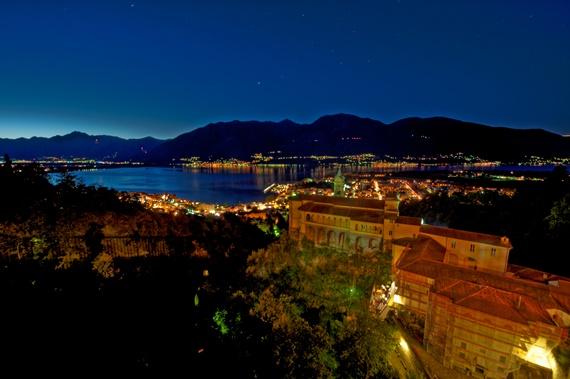 الليل الهادئ فى مدينة لوكارنو السويسربة
