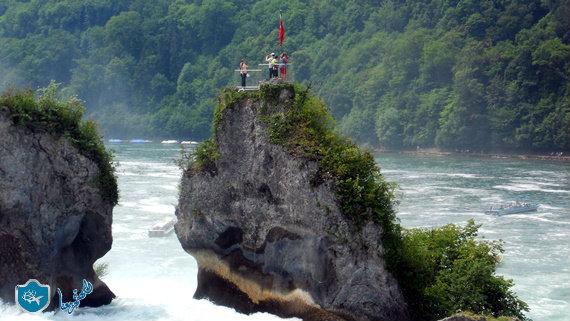 الصخور في نهر الراين