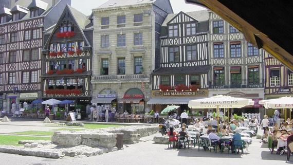 سوق مدينة روان الفرنسية