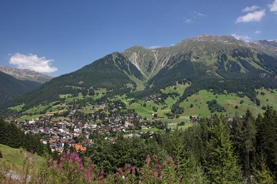 سويسرا منتجع كلوسترز