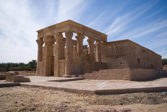 معبد هيبيس فى محافظة الوادى الجديد