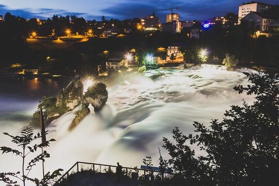 أجمل الأماكن الطبيعية فى العالم شلالات الراين فى سويسرا