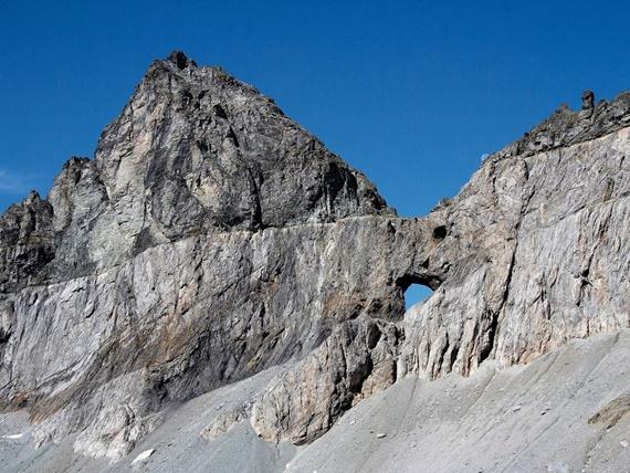 صورة الحيز الجيولوجي التكتوني في ساردونا السويسرية