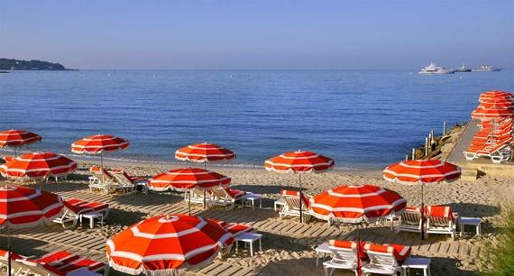 الشواطئ فى مدينة آنتيب بفرنسا