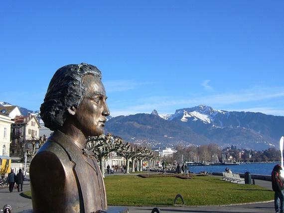 أحد ميادين مدينة فيفي السويسرية