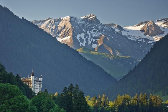 جبال الألب فى قرية غشتاد السويسرية