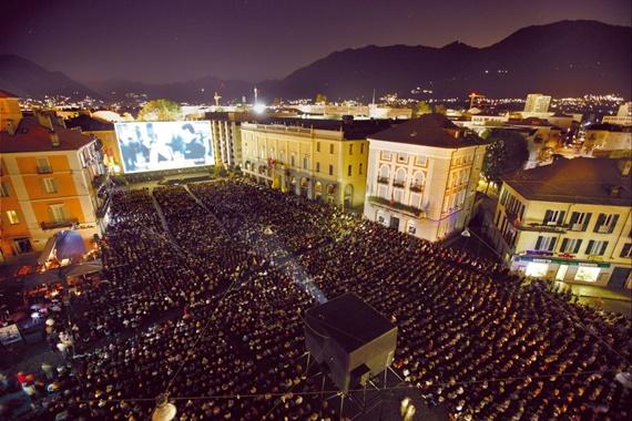 ساحة جاند بيزا التى تستضيف مهرجان لوكرنو السينمائي