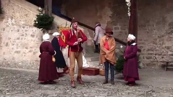 أحد العروض المسرحية فى قلعة شيلون