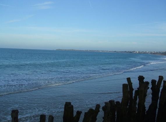 ساحل مدينة سانت مالو الفرنسية
