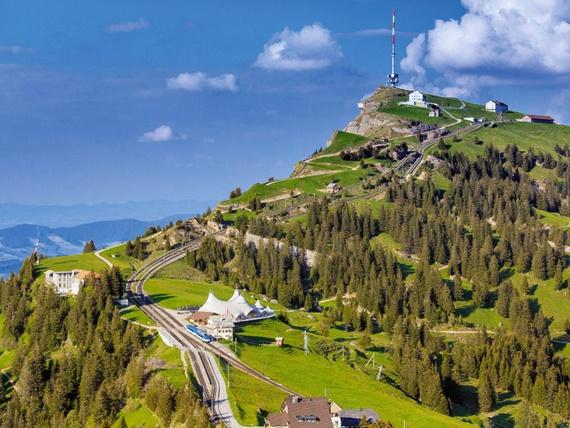 صورة أهم المعالم السياحية فى سويسرا منطقة ريجى الثلجية