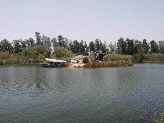 البحيرات الصناعية فى سفارى بارك