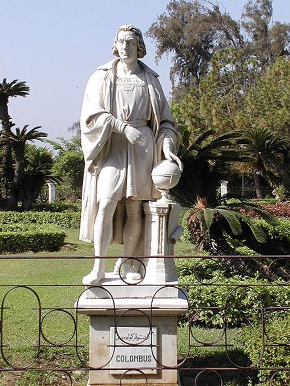 تماثيل رائعة فى قصر أنطونيادس
