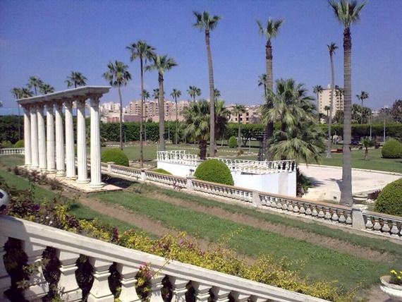 حدائق قصر أنطونيادس فى مدينة الاسكندرية
