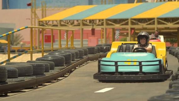 لعبة السيارات فى دريم بارك