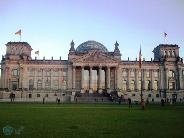 برلمان المانيا يوافق على تشديد اجراءات اللجوء