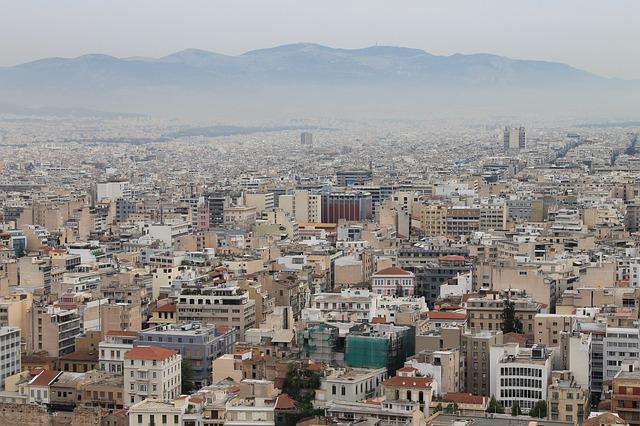 اليونان تفكر في ترحيل طالبي اللجوء إلى تركيا