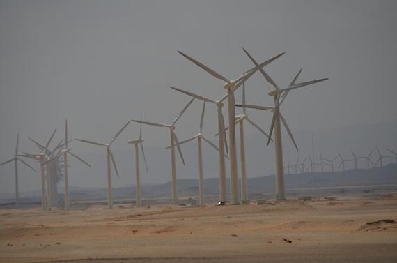 مجموعة من طواحين الهواء التى توجد بمنطقة الزعفرانة