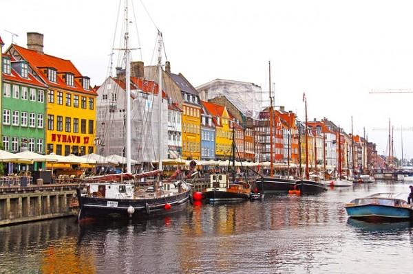 الدنمارك تمدد تشديد الرقابة على حدودها مع المانيا